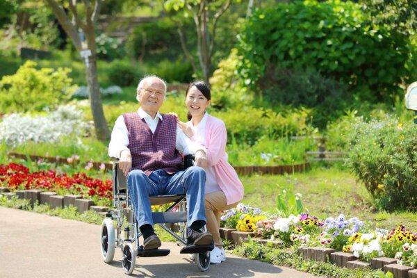 介護付き有料老人ホームとは?入居条件や特徴は?