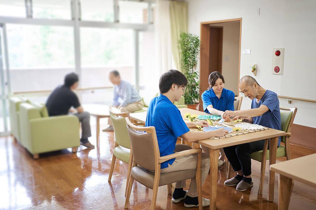 特別養護老人ホーム(特養)と介護老人保健施設(老健)の違い